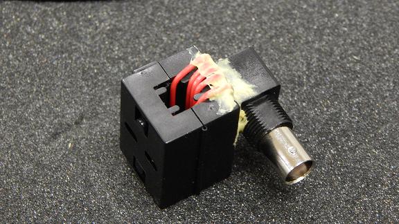 一个手工制作的电流钳